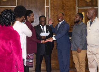 Kenneth Gist sworn in as Mayor